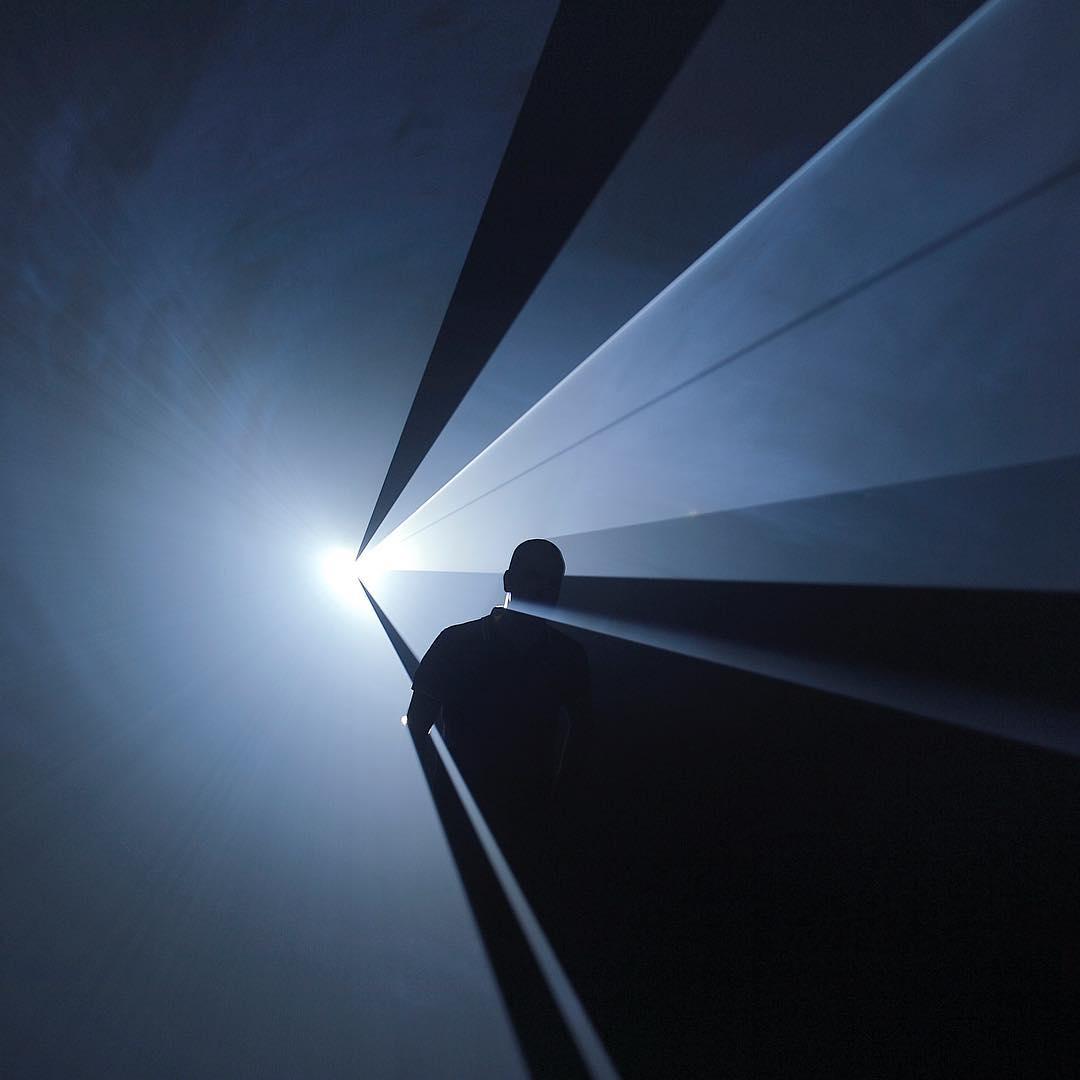 """55 mil visitas en dos meses lleva la exposición """"Light show"""" en el #CA660 de @corpartes Esta es la obra """"You and I Horizontal"""", del artista #anthonymccall, una de las más espectaculares de la muestra, que dura hasta el 11 de septiembre. Y es gratis! Agradecemos a @corpartes por permitirnos usar esta imagen, propiedad del artista Anthony McCall."""